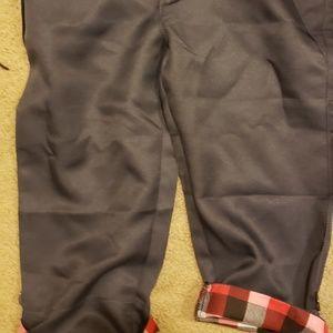 Check pattern three quarter sleeve gray pants